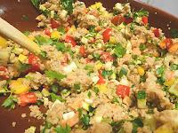 http://frlflauschmiez.blogspot.de/2015/10/bunter-couscous-salat-avocado-mousse-au.html