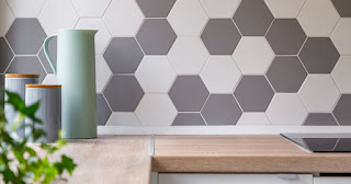 In this article we are going to distribute the tillig  on the wall correctly. Before gluing the ceramic tiles on the wall