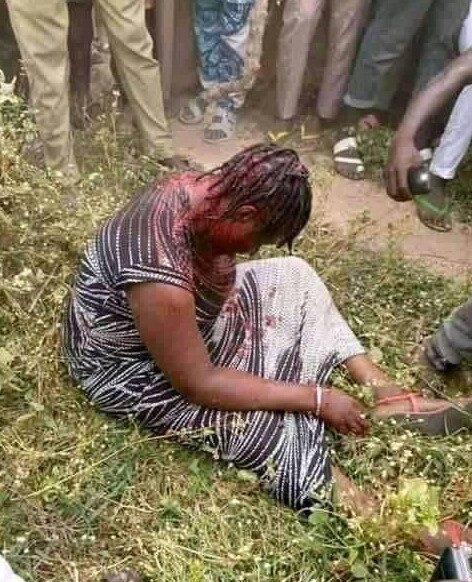"""""""Female Kidnapper beaten mercilessly by Angry mobs in Nasarawa state"""""""