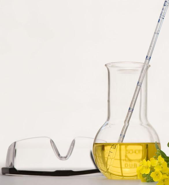 Химически чистый сосуд с растворимым чаем