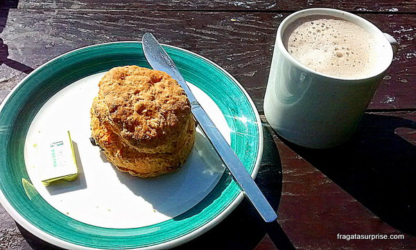 Scone, pãozinho típico da Irlanda, no Tea Room do Castelo de Bunratty, Limerick