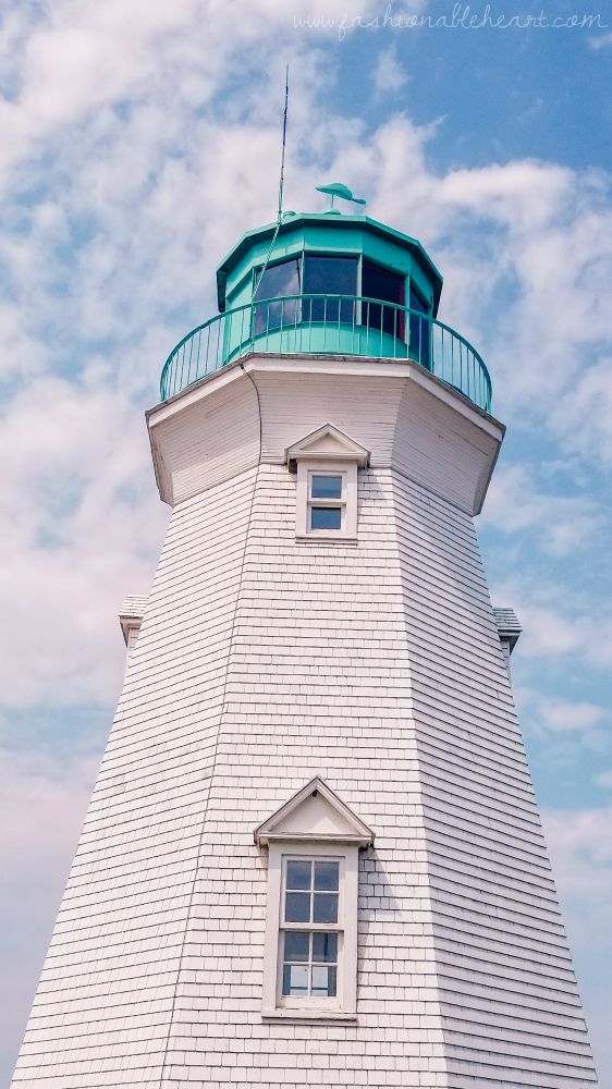 bbloggers, lbloggers, lifestyle blog, southern blogger, canadian blogger, ontario blogger, st. catharines, ontario, discover ontario, explore ontario. traveling during covid19, short trip, small vacation, port dalhousie lighthouses range, lighthouse, port dalhousie