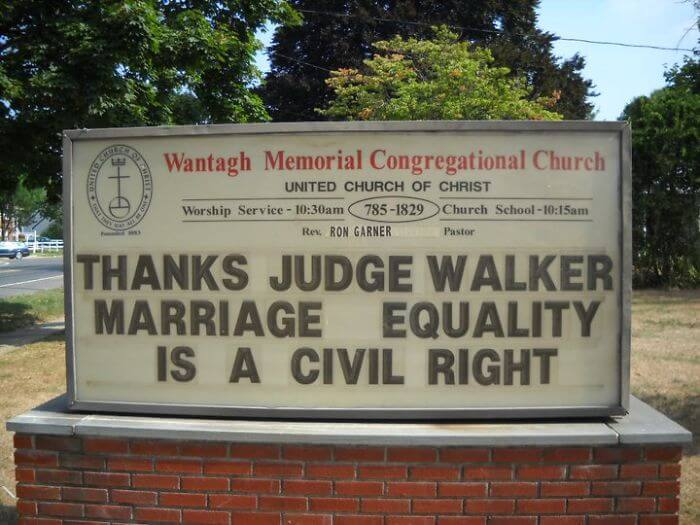 A New York Church Has Gone Viral For Its Brilliant Signs