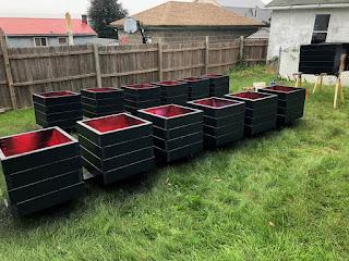 214 N 11st custom built heavy duty pergola planters newyorkplantings stained balck..jpg