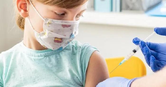 Κούβελας για εμβολιασμούς παιδιών: «Αυξάνουμε τον κίνδυνο θρομβώσεων - Θα έχουν πρόβλημα για την υπόλοιπη ζωή τους»