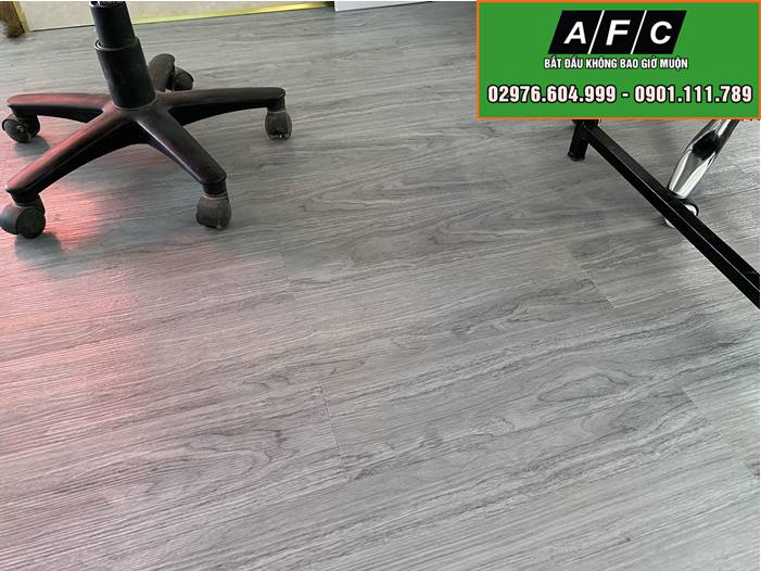 Thi công sàn nhựa giả gỗ tại Phú Quốc