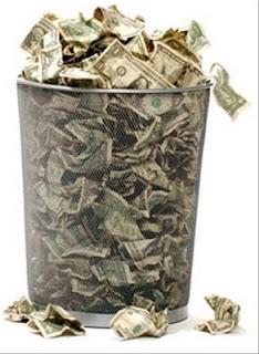 dinero a la basura Strauffon blog