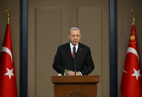 Erdogan amenaza con permitir paso de refugiados sirios a Europa