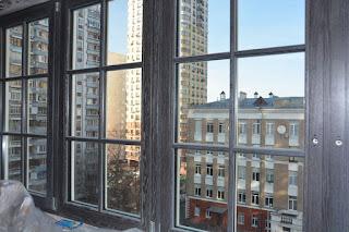 Дубовые окна с брашированием