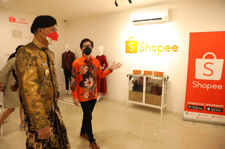 Resmikan Kampus UMKM Shopee, Ganjar Optimis Wirausaha Jateng Makin Tangguh