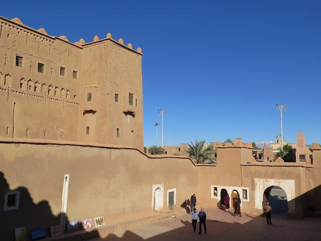 Patio de acceso a la kasbah Taourirt