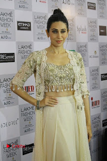 Actress Karishma Kapoor Walks For Arpita Mehta at LFW Summer 2017  0005.jpg