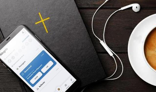 Glorify faz doação de Bíblias em braile para crianças cegas