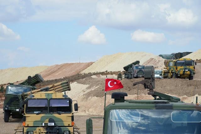 Συρία: Αεροπορικά πλήγματα κοντά στην τουρκική φάλαγγα στην Ιντλίμπ