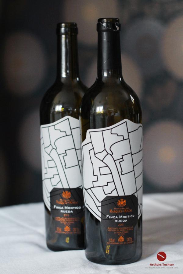 Der passende Wein für eine köstliche, säuerlich-scharfe Ceviche mit Skrei, dem Winterkabeljau. Selbstverständlich könnt Ihr das Rezept ganzjährig mit Kabeljau zubereiten. Dazu gibt es den passenden Wein, denn welcher Wein zur Ceviche passt, ist nicht so einfach #rezept #ceviche #fisch #skrei #kabeljau #peru #original #limette #avocado #grapefruit #weißwein #passend #trocken #rueda #spanien #winterkabeljau #lafer #mälzer #herrmann #chefkoch #sternkoch #anleitung #marinieren #arthurstochter #foodblog #weinblog #food #wine #pairing