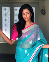Roshni Haripriyan (Indian Actress) Biography, Wiki, Age, Height, Family, Career, Awards, and Many More