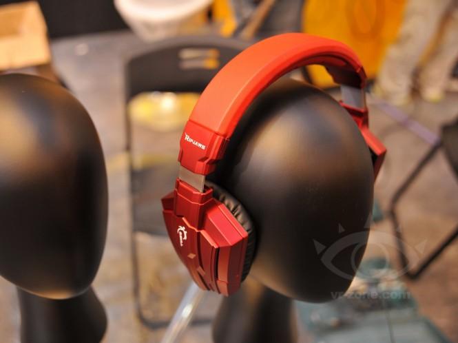 G SKILL shows new RIPJAW Gaming Headphones at COMPUTEX 2013