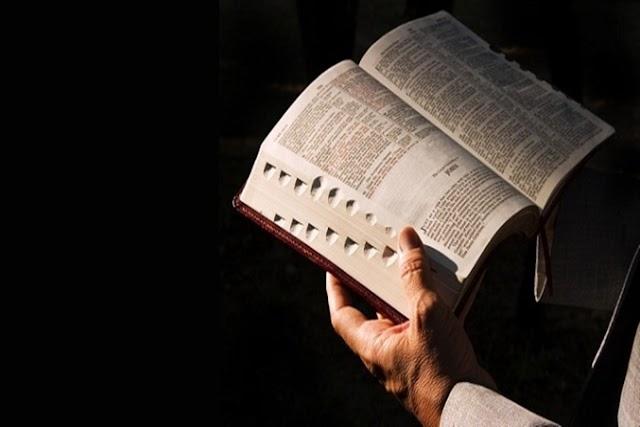 Veja como Satanás impede que as pessoas leiam a Bíblia, mesmo quando ela agora é muito acessível