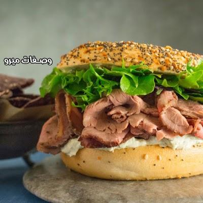 ساندويش روست بيف بالجبن والفلفل
