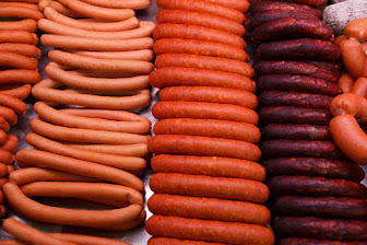 is sausage good for dogs, is sausage bad for dogs, can dogs eat barbecue sauce