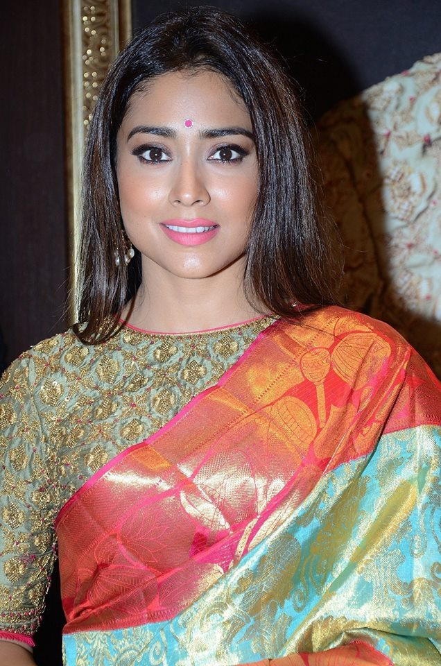 Actresss ShriyaSaran Latest HD Images