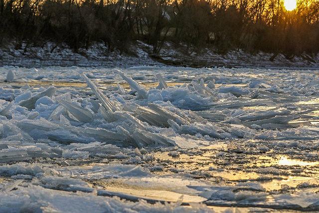 Замерзла ріка