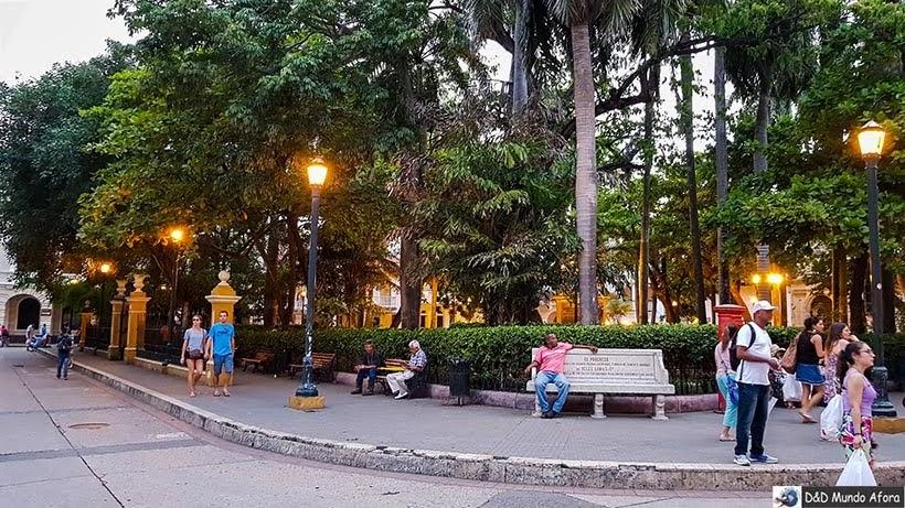 Plaza Simon Bolivar - O que fazer em Cartagena, Colômbia