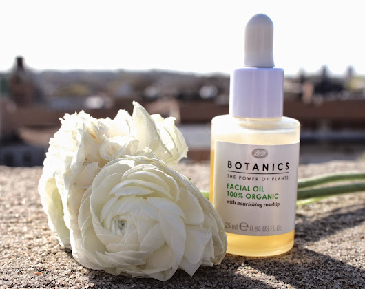 Beauty Myth: Boots Botanics 100% Organic Facial Oil