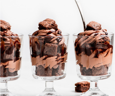 MINI TRIPLE CHOCOLATE TRIFLES #cakerecipe