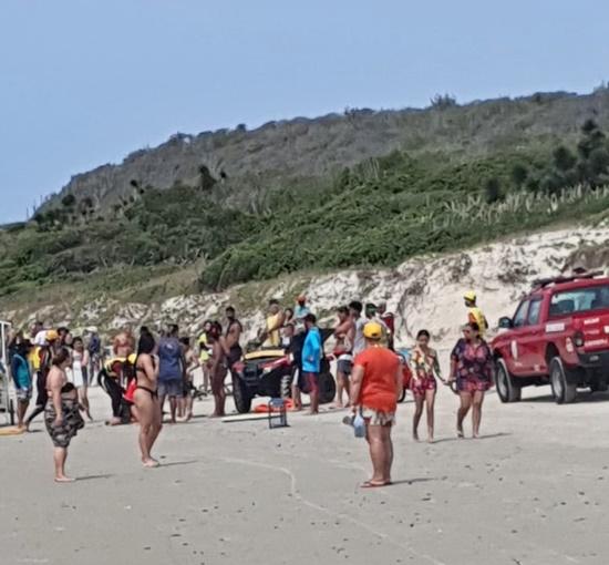 Três pessoas da mesma família morrem afogadas na Praia das Conchas, em Cabo Frio