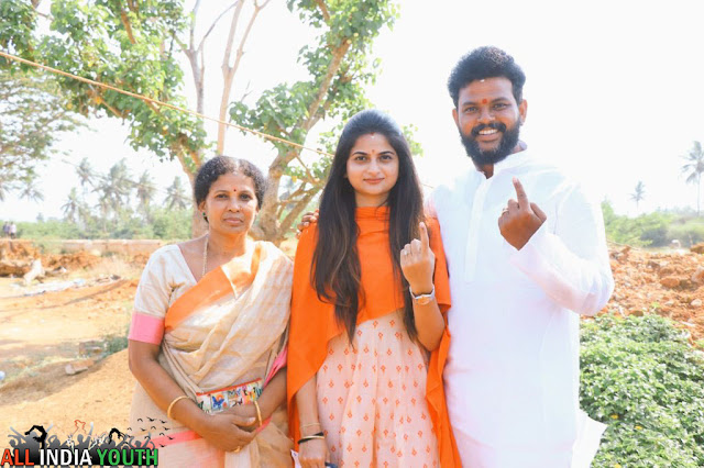 Ram Mohan Naidu with his family