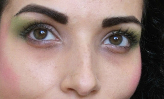 Marc Jacobs beauty, Velvet Noir Major Volume Mascara, review and 80's green make-up look by Valentina Chirico