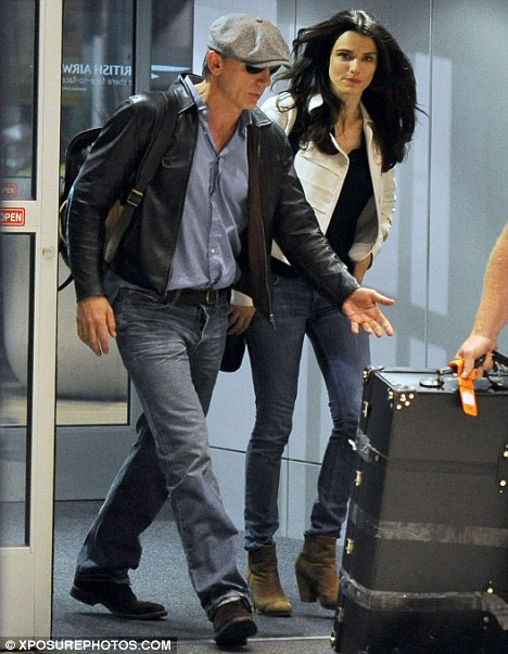 Meet Mr And Mrs Bond Daniel Craig And Rachel Weisz Spotted For