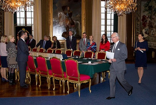 The meeting was attended by King Gustaf and Crown Princess Victoria. At the cabinet meeting, information about the political research and political initiatives of ministries was given to the King.