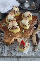 Montadito de patata con butifarra