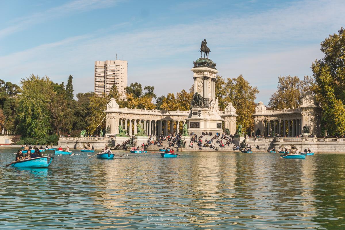 Estanque Grande del Retiro (Lake at Retiro Park) - Madrid, Spain