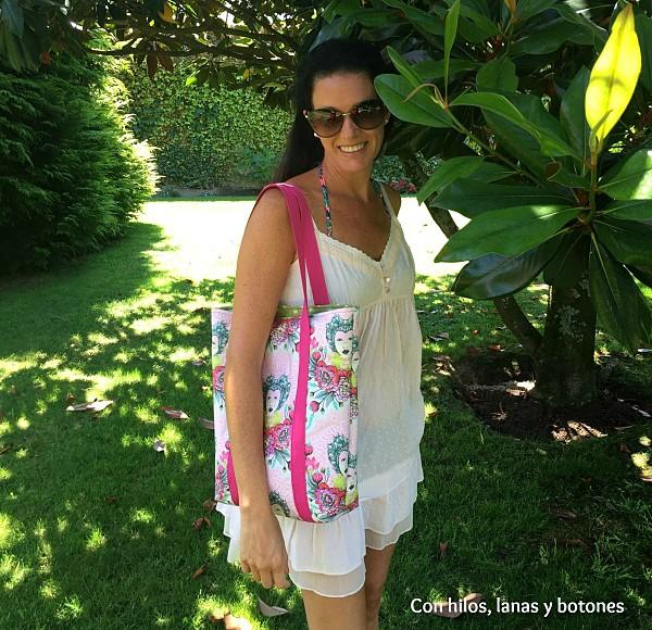 Con hilos, lanas y botones: Tote bag con cremallera | Bolso Tula Pink