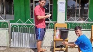 Pake Duit Pribadi, Pemuda Desa Pattangnga'e Sediakan Tempat Cuci Tangan bagi Warga