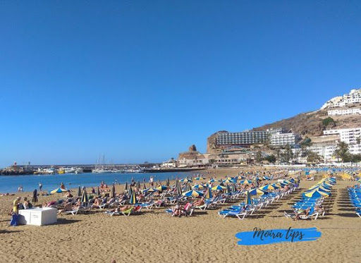 hottest canary island in february