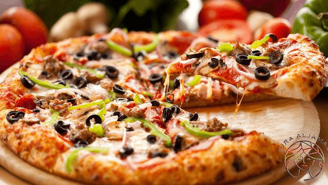 طريقه عمل  البيتزا من احسن الوصفات