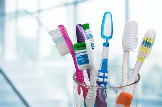 comment bien nettoyer une brosse à dent