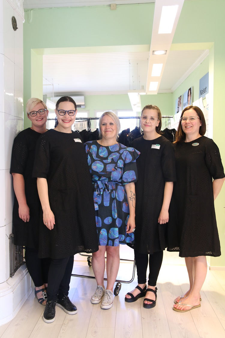 ivana helsinki, paola suhonen, pop up, pop up shop, specsavers, rauma
