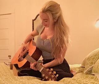 Bryson Dechambeaus Girlfriend Sophia Phalen Likes To Play Guiter