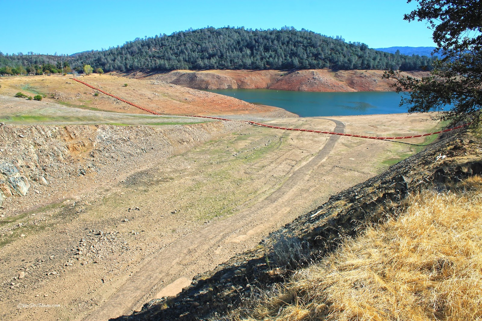 Oroville Dam California geology travel trip roadtrip copyright rocdoctravel.com