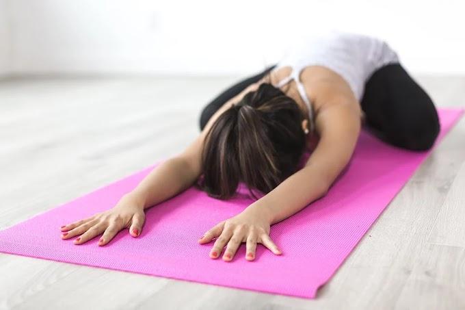 Estiramientos en casa que te ayudan a proteger tu espalda