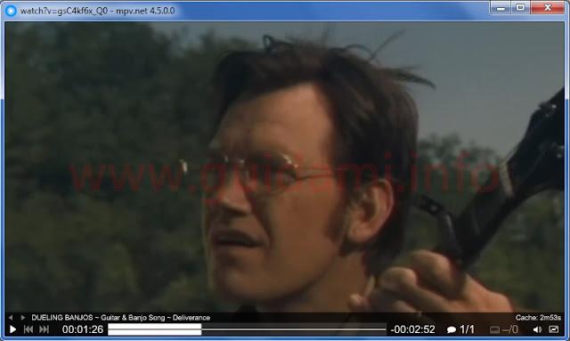Mpv.net player con un video in riproduzione e barra dei comandi