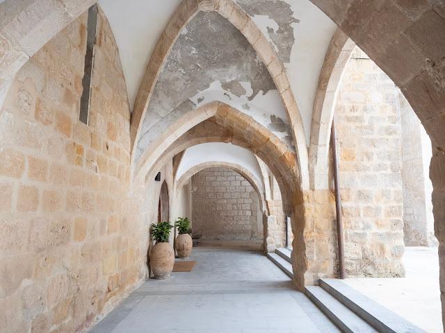 Arcos del monasterio de Santa Clara en Medina de Pomar