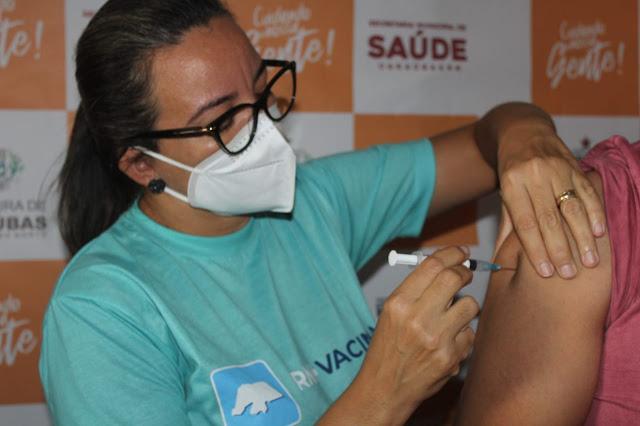 Caraúbas segue com calendário de vacinação de pessoas entre 50 a 59 anos neste sábado