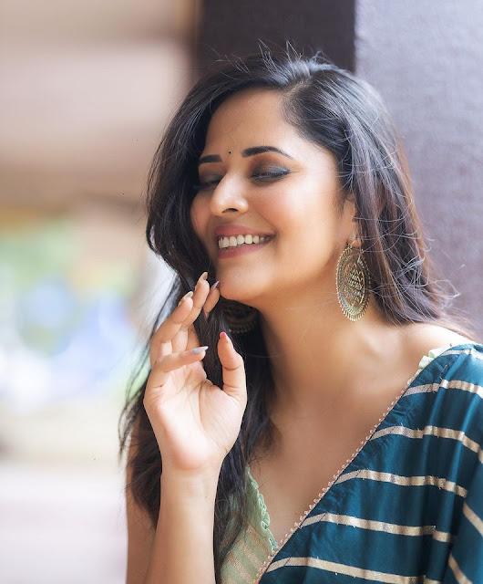 Anchor Anasuya Bharadwaj Latest Stills in Saree Actress Trend