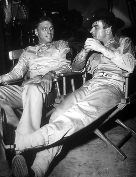 Montgomery Clift Burt-lancaster-montgomery-clift-between-scenes-of-from-here-to-eternity